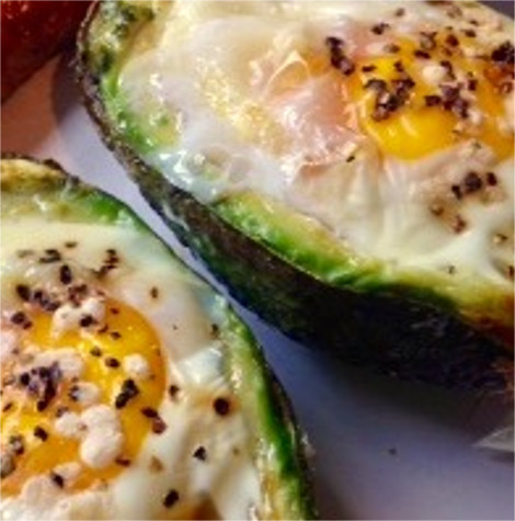 Baked Eggs in Avocado Thumbnail